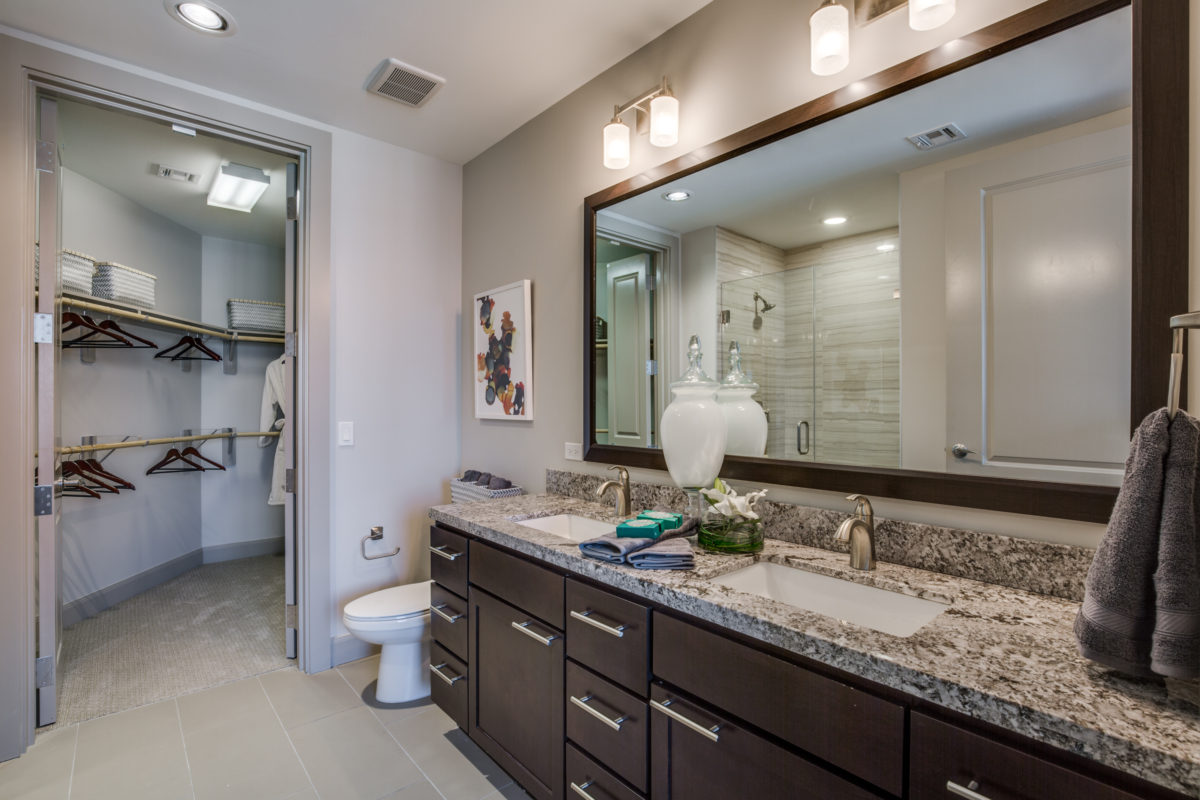 Luxury bathroom at The McCarthy Apartments in Memorial City Houston