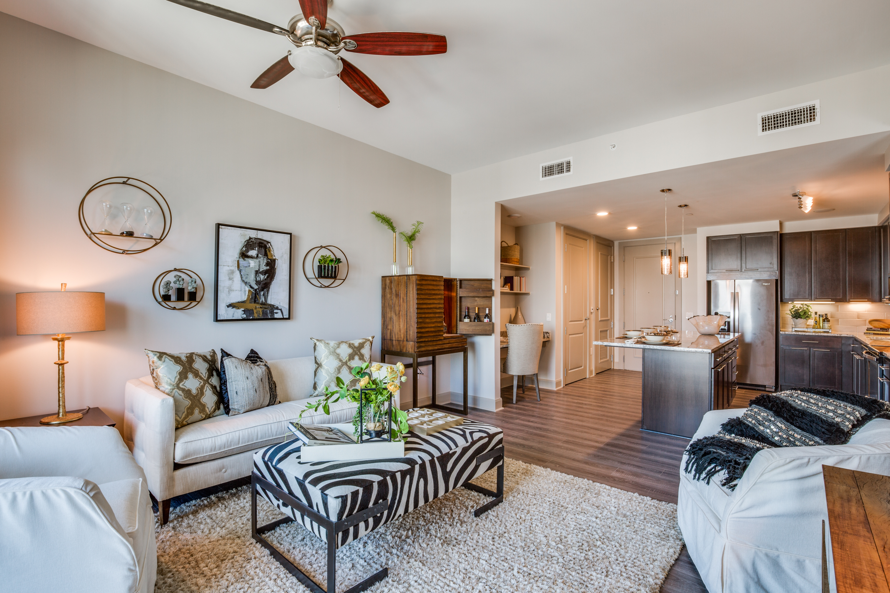 memorial city apartments houston tx the mccarthy gallery. Black Bedroom Furniture Sets. Home Design Ideas